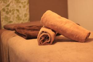ベッドとバスタオル